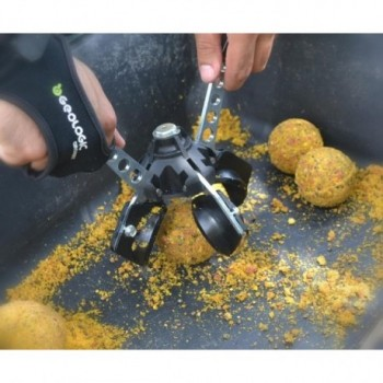 ADVANCE FISHING BALL MAKER...